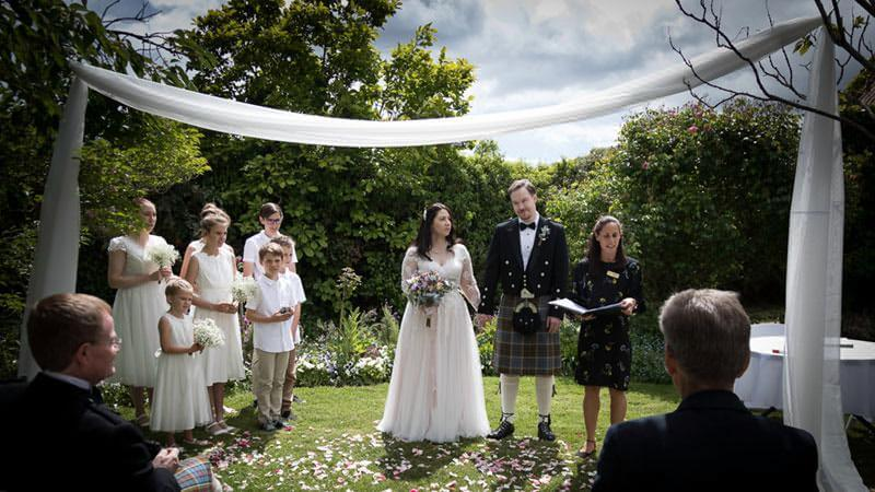 Small intimate weddings at The Racecourse Inn, Longford, Tasmania