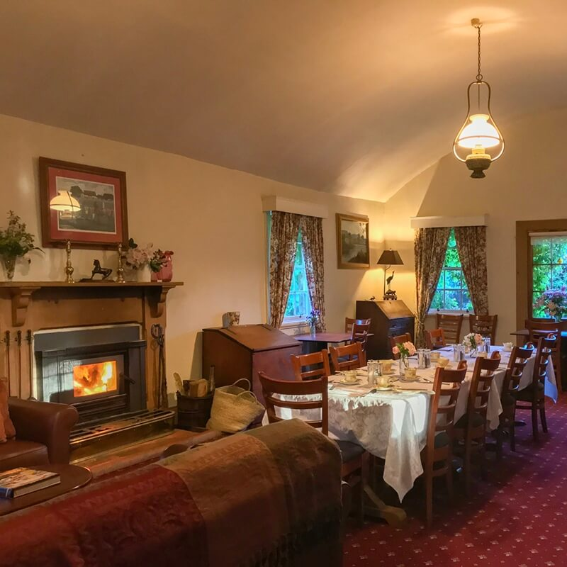 The dining room at The Racecourse Inn, Longford, Tasmania